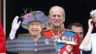 Když chcete, aby královna dorazila, ale nelíbí se vám její šaty. Foto: