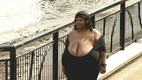 Největší prsa světa  Foto:
