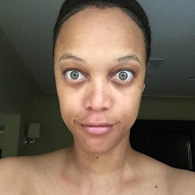 Tyra Banks vypadá jako žabí UFO! Její fotky bez make-upu vás vyděsí - Obrázek 6 Foto: