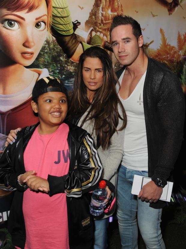Syn Katie Price Harvey má problémy s váhou kvůli své nemoci, rodiče se mu snaží pomoct Foto: isifa.com