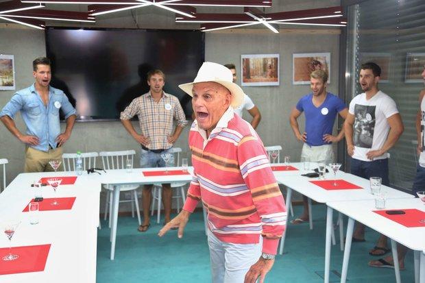 Jan Přeučil hodinu s finalisty prožíval a snažil se jim předat toho co nejvíce. Foto: Jiří Janoušek