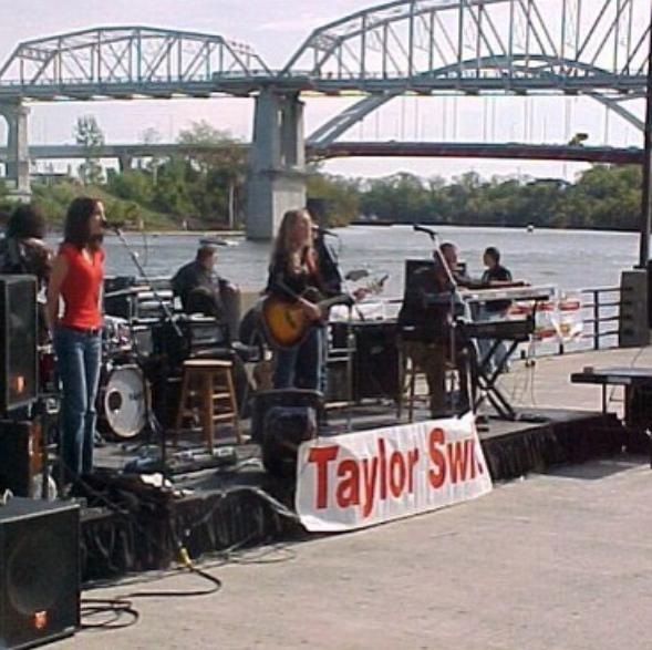 Takhle vypadaly Taylořiny koncerty ještě před pár lety Foto:
