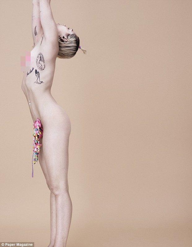 Miley Cyrus a její focení pro časopis Paper - Obrázek 2 Foto: