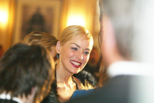 Redakční fotograf Jirka Janoušek žádal o tanec herečku Sharone Stone... Foto: isifa.com a profimedia.cz