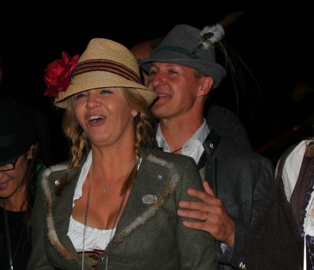 Manželé Schumacherovi v krojích Foto: