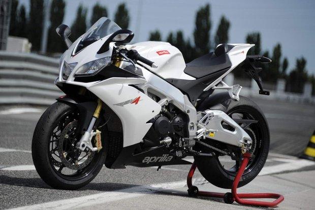 Nejrychlejší motorky světa - Aprilia RSV4 Foto: