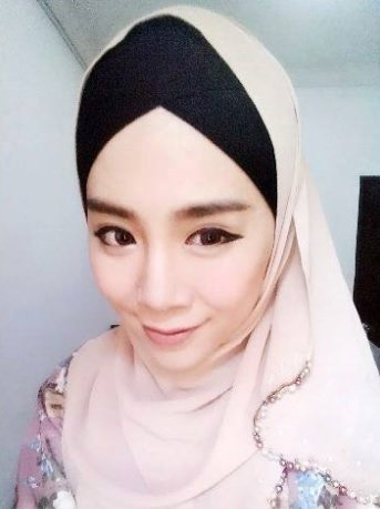 Felicia vypadá jako muslimka velice šťastně.  Foto: instagram