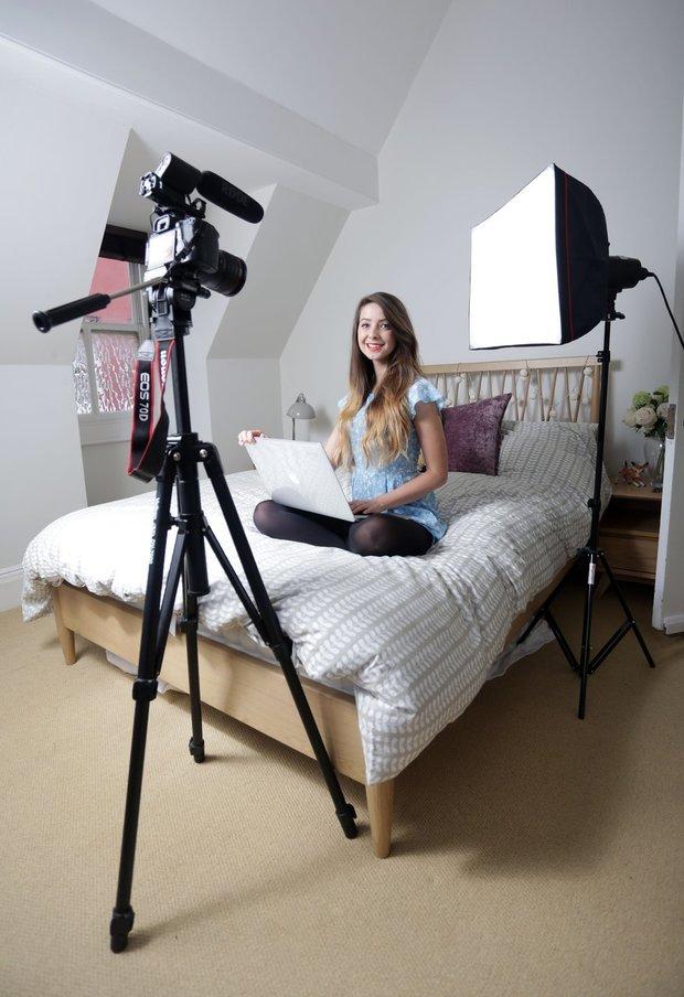 Zoella a její domácí studio Foto: