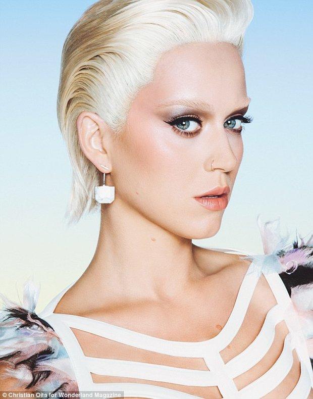 Katy Perry ráda experimuntuje - Obrázek 2 Foto: