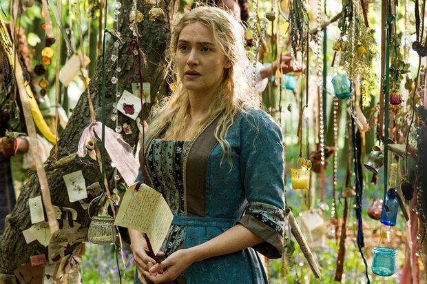 SOUTĚŽ: Vyhrajte 5x řasenku a 5x oční stíny díky novému filmu Královna zahradnice s Kate Winslet! - Obrázek 2 Foto: