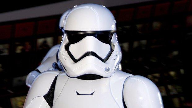 Jeho postava byla vtipně pojmenována Stormtrooper JB - 007. Foto: